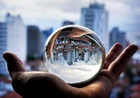 一个人,一心窗,一世界